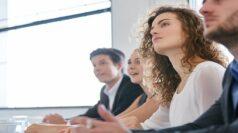 Geschäftsleute im Seminar zur Fortbildung